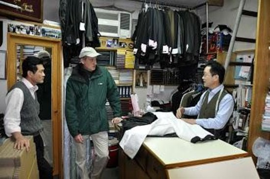 Yuen's Tailor : Johnny Yuen (Left), myself and Bonny Yuen. Feb or Mar, 2011