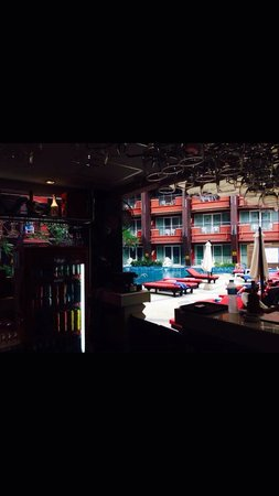 Blue Ocean Resort: Not the best photo, but it was the view from our bar stool :) our fav spot in patong.... With th