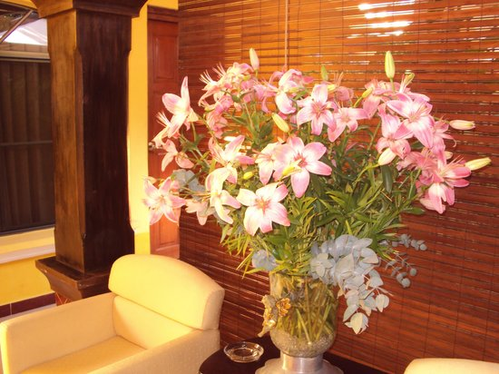 Hotel Aloha: Flores naturales