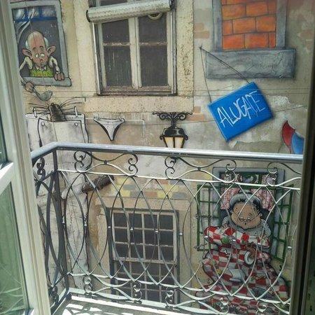 LX Boutique Hotel: Vue du balcon de notre chambre! :-)