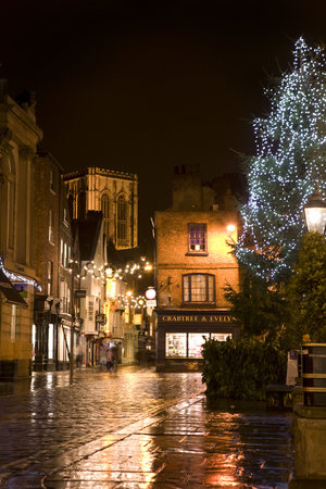 Monkbridge Court Holiday Apartments: Christmas shopping in York