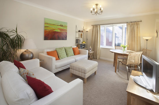 Monkbridge Court Holiday Apartments: Comfortable sitting rooms