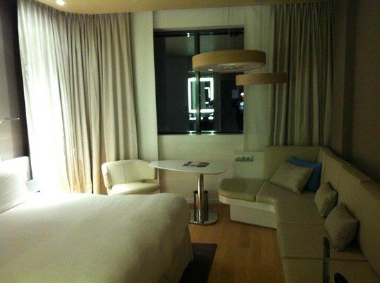 Pullman Brussels Centre Midi Hotel : Quarto