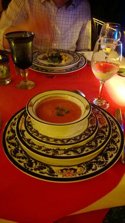 Hotel Cuna del Angel: Delicious beet soup