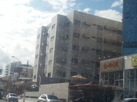 Marinas Maceio Hotel: Hotel visto já indo embora