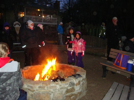 Moonshine Mountain : fire pit