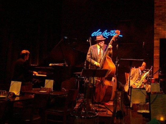 Dakota Jazz Club & Restaurant : Ginger Commodore's Group