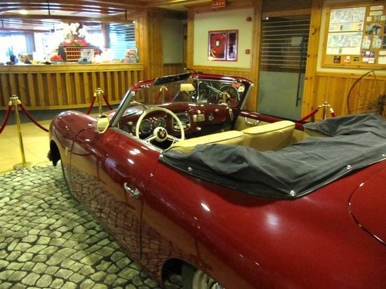 Hotel Nordic: Porsche 356 in the Reception of the hotel