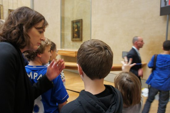 Paris Muse Private Tours: Kids get close and learn more about the Mona Lisa on the Muse family tour