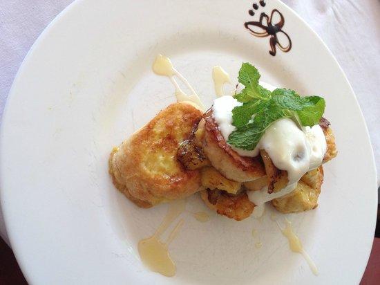 Sleepers Restaurant: French Toast With Banana, Honey, Mint and Mascarpone Cheese