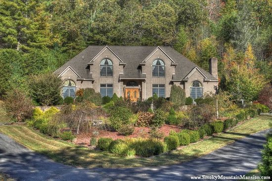 Smoky Mountain Mansion