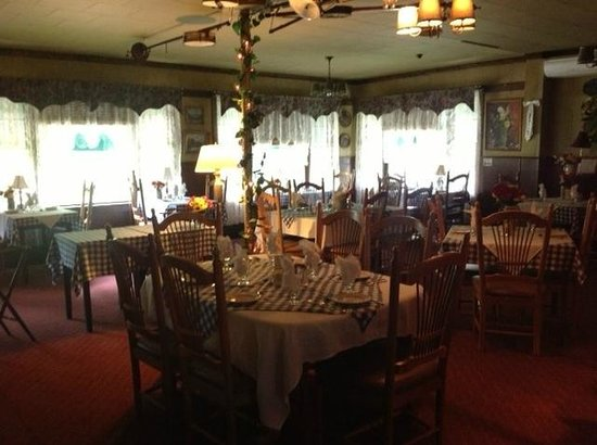Bavarian Manor Country Inn & Restaurant: Consider making a reservation for our restaurant with enticing German cuisine.