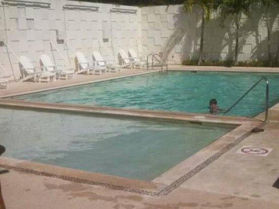 Holiday Inn Acapulco La Isla: Pool. Chaises & umbrellas to the right, out of view