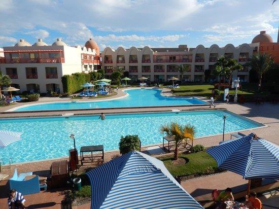 Titanic Beach Spa & Aqua Park: Beheizte Pool