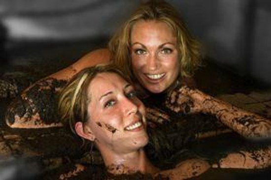 Bed And Breakfast Calistoga Girls Getaway Mudbath - Picture of Baths at Roman Spa ...