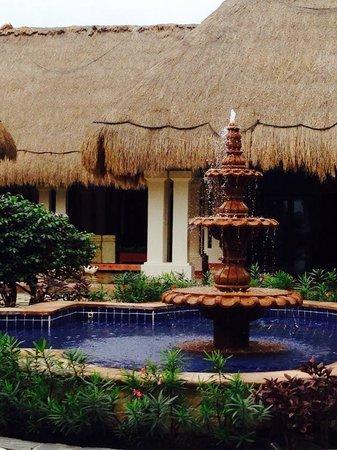 Now Sapphire Riviera Cancun : fountain