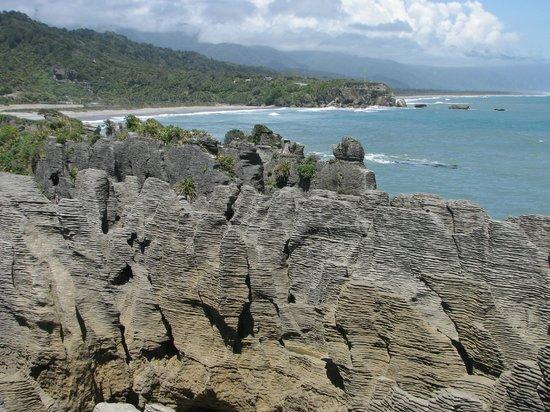 Punakaiki Beach Camp : The Pancake rocks