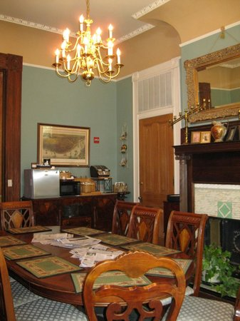 Avenue Inn Bed and Breakfast: Dining area
