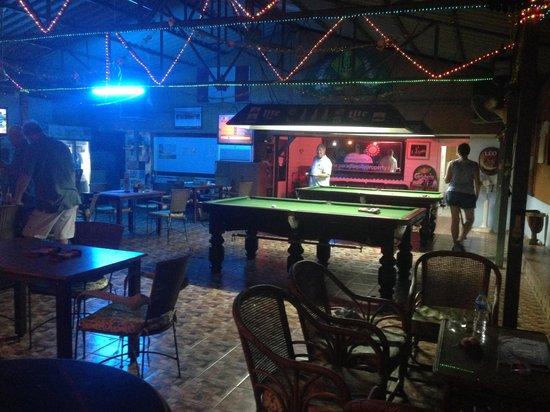 U-Turn : pool tables ready to have fun!