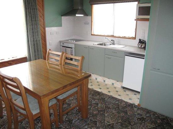 Paroa Hotel: Family Unit Option 1 full kitchen