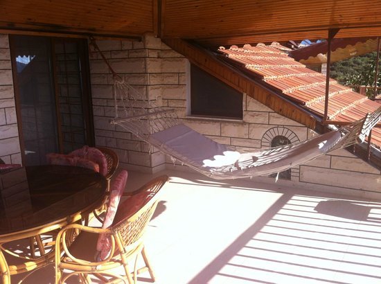 Villa Dundar Kas Apartments: Balcony with Hammock in 3rd floor Villa
