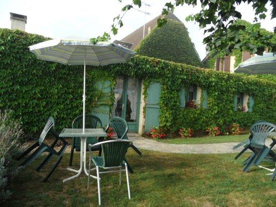 Hotel Mounea: Au calme et au vert !
