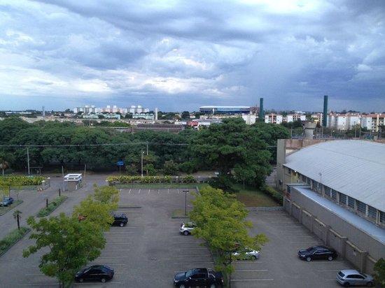 Hotel Deville Prime Porto Alegre: Vista do Quarto - Arena Gremio