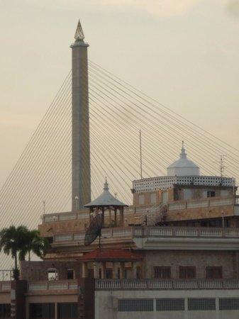Nouvo City Hotel : vista desde la terraza