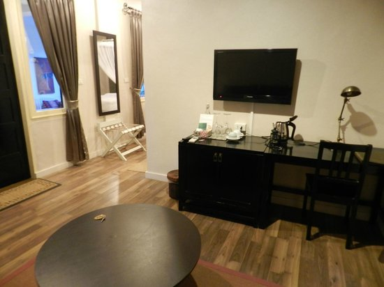 Mandala Boutique Hotel: Room 36-  Living Area