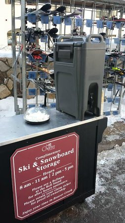 The Charter at Beaver Creek: Free hot chocolate located outside the front!