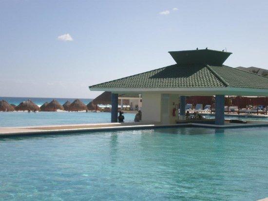 Iberostar Cancun: pool