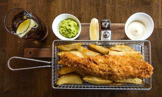 The Salty Dog Hotel and Bistro : Fish and Chips at The Salty Dog, Bangor