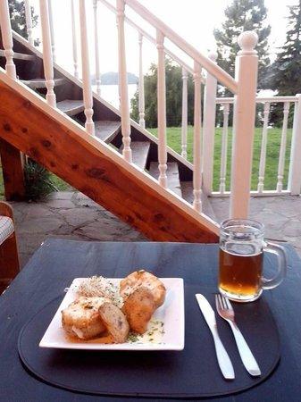 Hosteria La Luna: La mejor cerveza lejos!!! y la comida exquisita!!!! :)