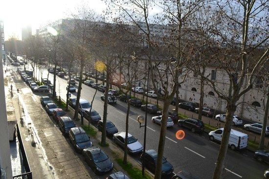 Derby Eiffel Hotel: Вид из окна
