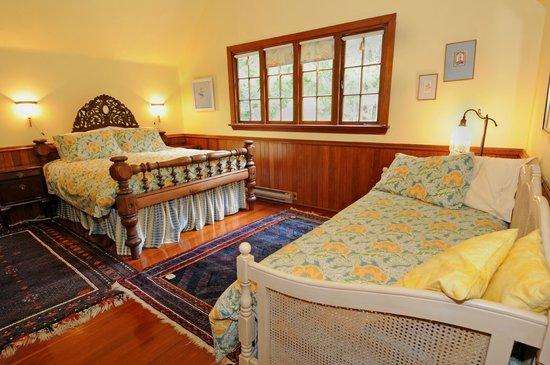 Wedgwood Retreat: The Lady Caroline Room can sleep 4.