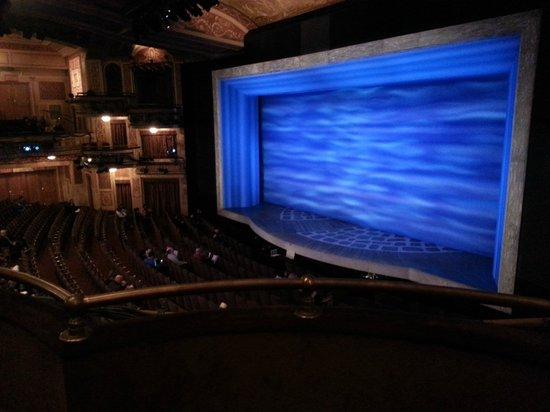 Mamma Mia! on Broadway: Visão do palco na platéia lateral superior