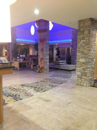 Hilton Garden Inn Denton: Reception Area