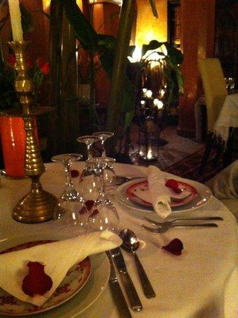 Riad Dar Attajmil : cena di capodanno