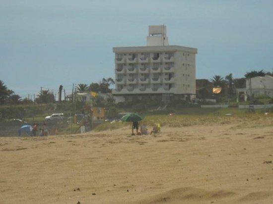 Hotel Morgan Bay: Vista del hotel desde la playa