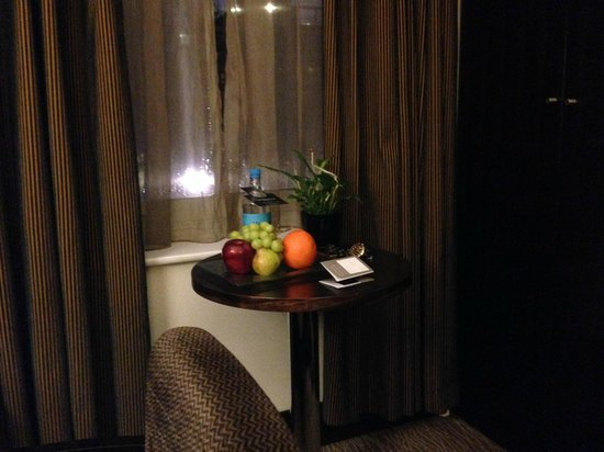 The Marble Arch London: When you arrive you will receive fresh fruits and water!