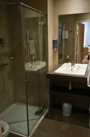 Best Western Hotel Marseille Bourse Vieux Port by HappyCulture : Douche