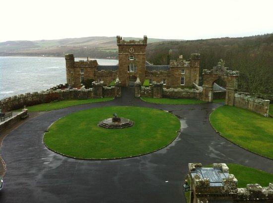 Culzean Castle : view from bathroom