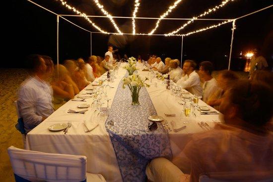 Hotel Verde Zanzibar - Azam Luxury Resort and Spa: Dining Table