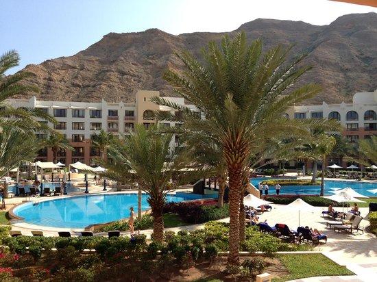 Shangri La Barr Al Jissah Resort & Spa-Al Bandar: view from hotel
