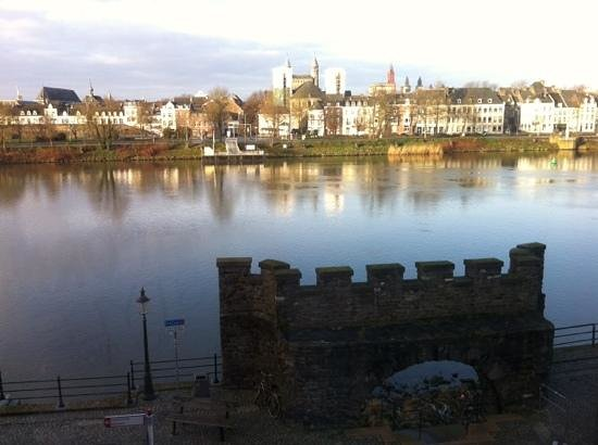 Crowne Plaza Maastricht: river view