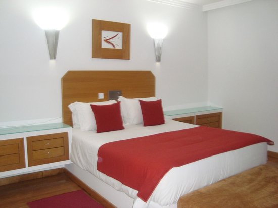 Alcazar Hotel & SPA: Habitación superior, amplísima