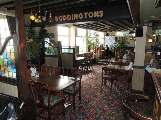 The Downs Hotel: Restaurant