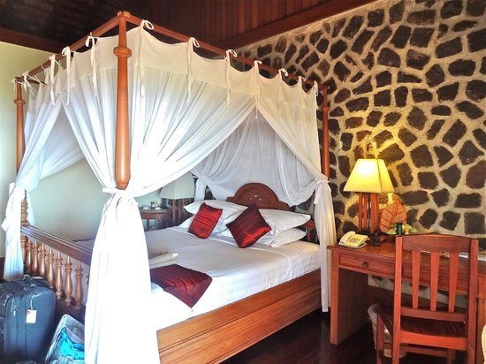 Popa Mountain Resort : bedroom cozy but cold