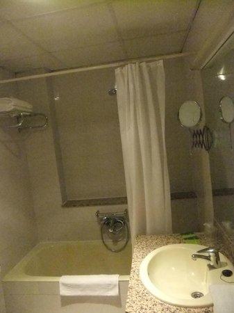 Hotel Pitiusa: Bathroom