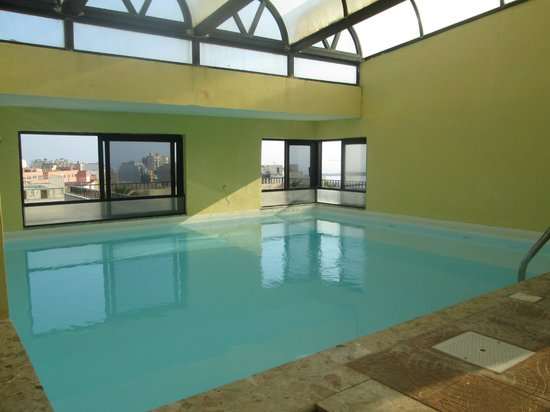 Il Palazzin Hotel : Indoor pool - rooftop
